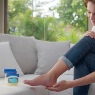 Vaseline® Jelly Uses – Different Ways to Use Vaseline® Jelly